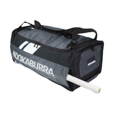 8.0 Wheelie Cricket Bag